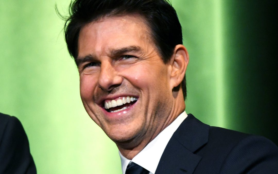 Justin Bieber's Challenge to Tom Cruise Tops This Week's Internet News Roundup