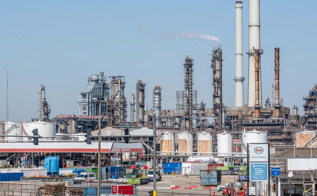 AI Shows ExxonMobil Downplayed Its Role in Climate Change